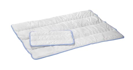 Alvi 可高溫洗滌羽絨被組 -   The heat resistant quilted bed set from Alvi consists of a duvet and a pillow.  The cover is made of 100% cotton, anti-allergic and washable at 95 ° C. Available in 2 sizes.