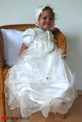 Baby-Held christening dress - large image