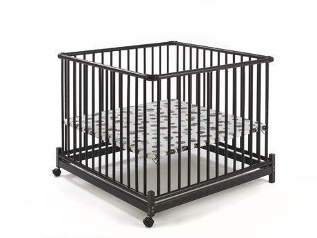 Geuther Playpen EURO-PARC -  The Geuther Playpen EURO-PARC offers plenty of comfort and security for your little darling. It is hinged and the bottom is 3-position height adjustable.