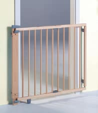Geuther Swing-opening door gate - The swivel safety gates is secure borders for your sweetheart