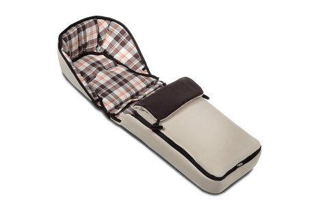 Hartan Snuggle Nest - The Hartan Snuggle Nest is a cozy inlay, which is useful for all Hartan carrying bags, as foot muff for baby car seats of group 0+ or as infant insert fo...