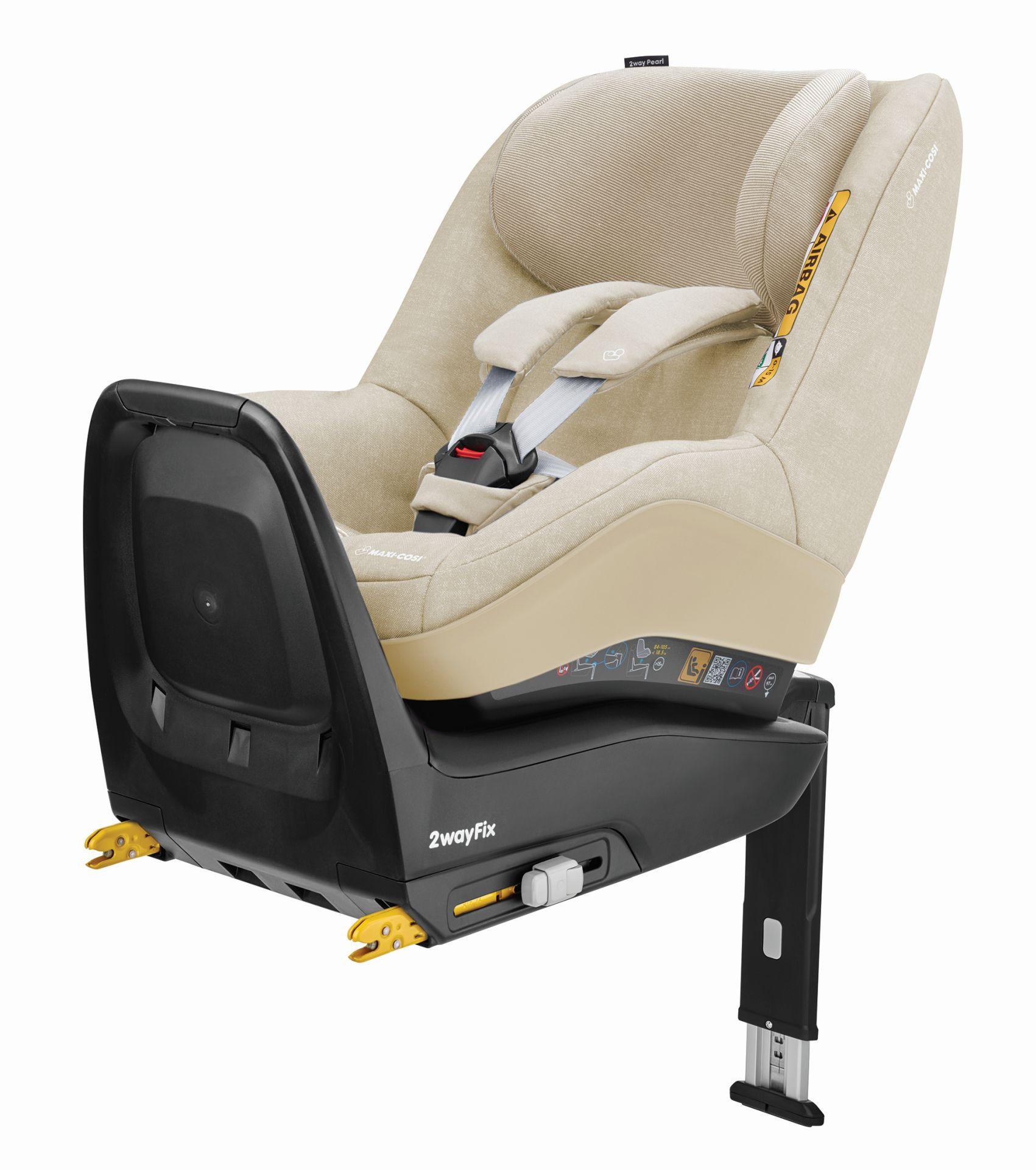 maxi cosi 2 way pearl con 2 way fix 2018 nomad sand comprar en kidsroom sillas de coche. Black Bedroom Furniture Sets. Home Design Ideas