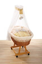 Alvi Bassinet set - Dream Team - The Alvi bassinet set Dream Team is decorated with high quality embroidery and is the perfect accessory for your bassinet