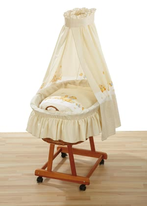 Alvi Bassinet set - Seven Friends - The Alvi bassinet set Seven friends is printed with great designs and is suitable for all bassinets with a lying area of 70 x 40 cm
