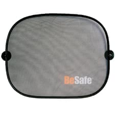 BeSafe car sunscreen - The BeSafe sunscreen hast o be fixed via vacuum cups at your car window. It protects your little one against direct sunlight.
