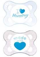 "MAM Soother ""I love mommy"" - Little Prince and Princess make a great pleasure with the sugary pacifiers in bright blue or pink of your dear MOM."