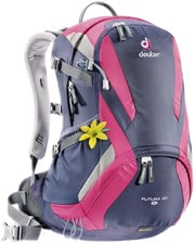 Deuter women's hiking backpack Futura 20 SL in blueberry-magenta -  The light women's hiking backpack Futura 20 SL by Deuter is perfect for a hike or a trip to the city.