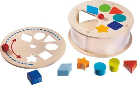 Haba sorting box rainbow carrousel - Little discoverer's will have a lot of fun with the Haba sorting box rainbow carrousel.
