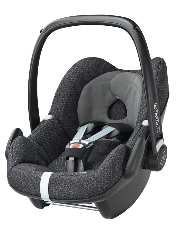 maxi cosi infant carrier pebble incl foot muff 2016 black. Black Bedroom Furniture Sets. Home Design Ideas