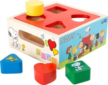 Peanuts shape sorting cube -  Peanuts shape sorting cube – Those shape sorting cubes will provide a lot of fun to your child.