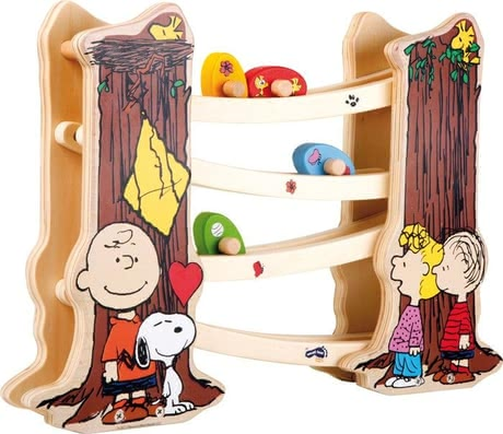 Peanuts shape sorting cube - Peanuts marble run – This wonderful marble run will be a lot of fun for your child.