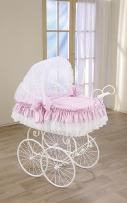 Leipold bassinet Royal Candy - Leipold bassinet Royal Candy – fancy and generous – This bassinet comes in a gorgeous pink.