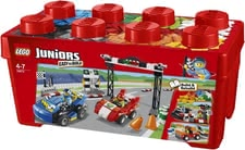 LEGO Duplo Juniors Ralley - Start an exciting competition with this set by LEGO. Your little racer will find everything he/she needs for a great racetrack.