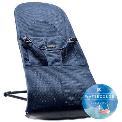 BabyBjörn Babysitter Balance Soft Mesh – Watercolor Collection - Sanfte Farben zeichnen die limitierte Watercolor Collection des Baby Björn Babysitter Balance Soft aus.