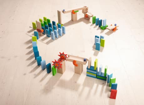 Haba basic pack domino - Haba basic pack domino – This basic pack is an exciting combination of bricks and a ball track.
