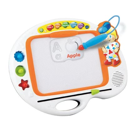 VTech ABC painting board - Support your child's creativity with the stamps, stencils and a music card by VTech on the ABC painting board.