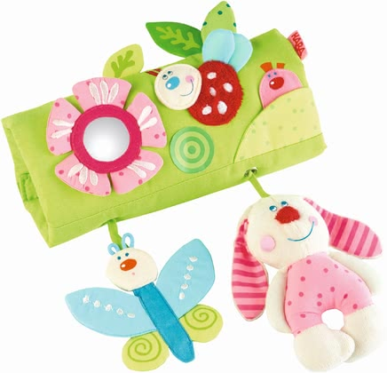 Haba playwrap flower friends - Haba playwrap flower friends – No more being bored during car rides with this toy by Haba.