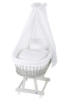 Alvi Bassinet Birthe with XL lying surface, 6 Pieces – Swinging Bears - El Birthe stubenwagen by Alvi cuenta con una zona muy amplia.